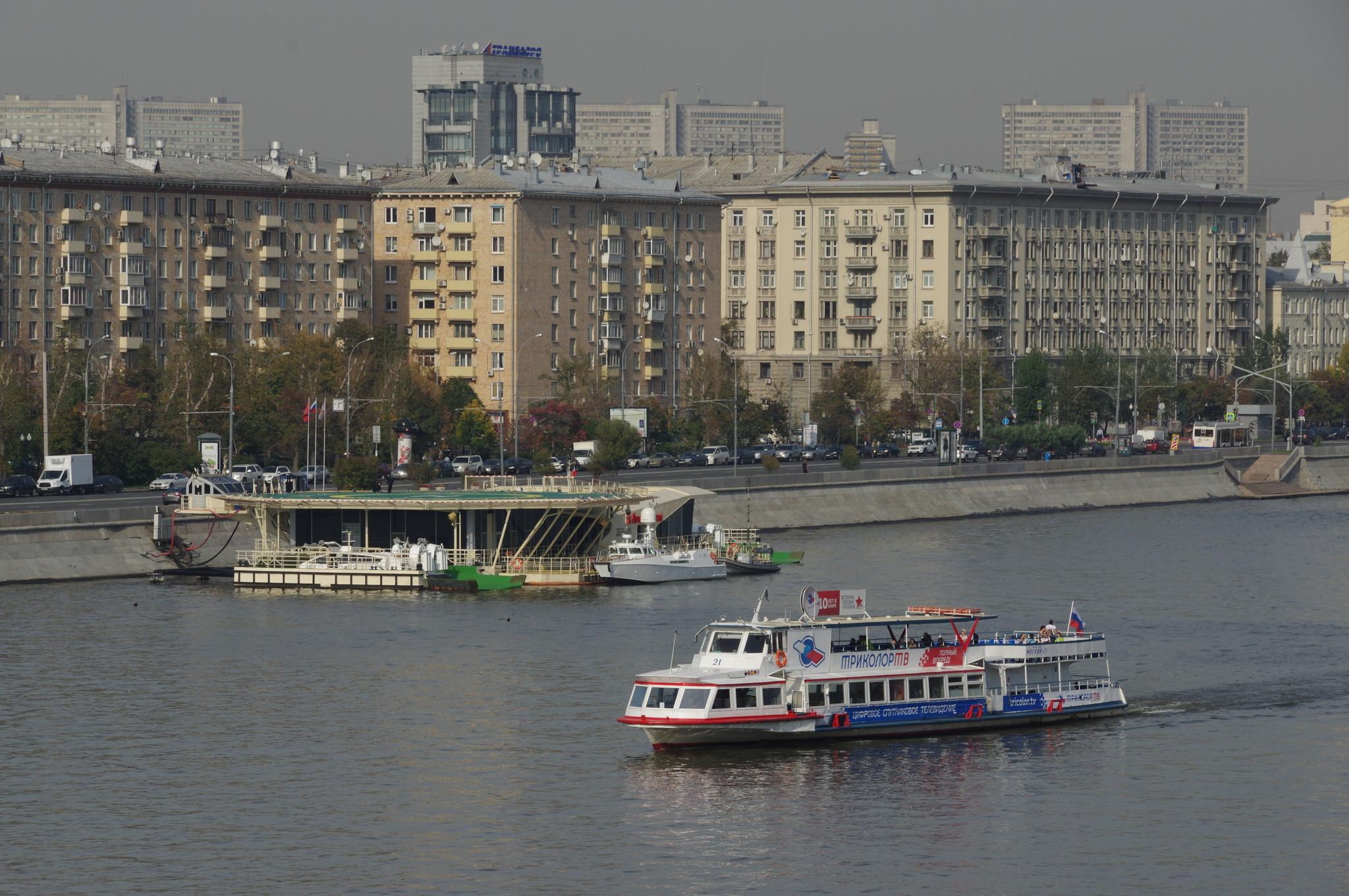 Причальный комплекс с вертолетной площадкой на Фрунзенской набережной