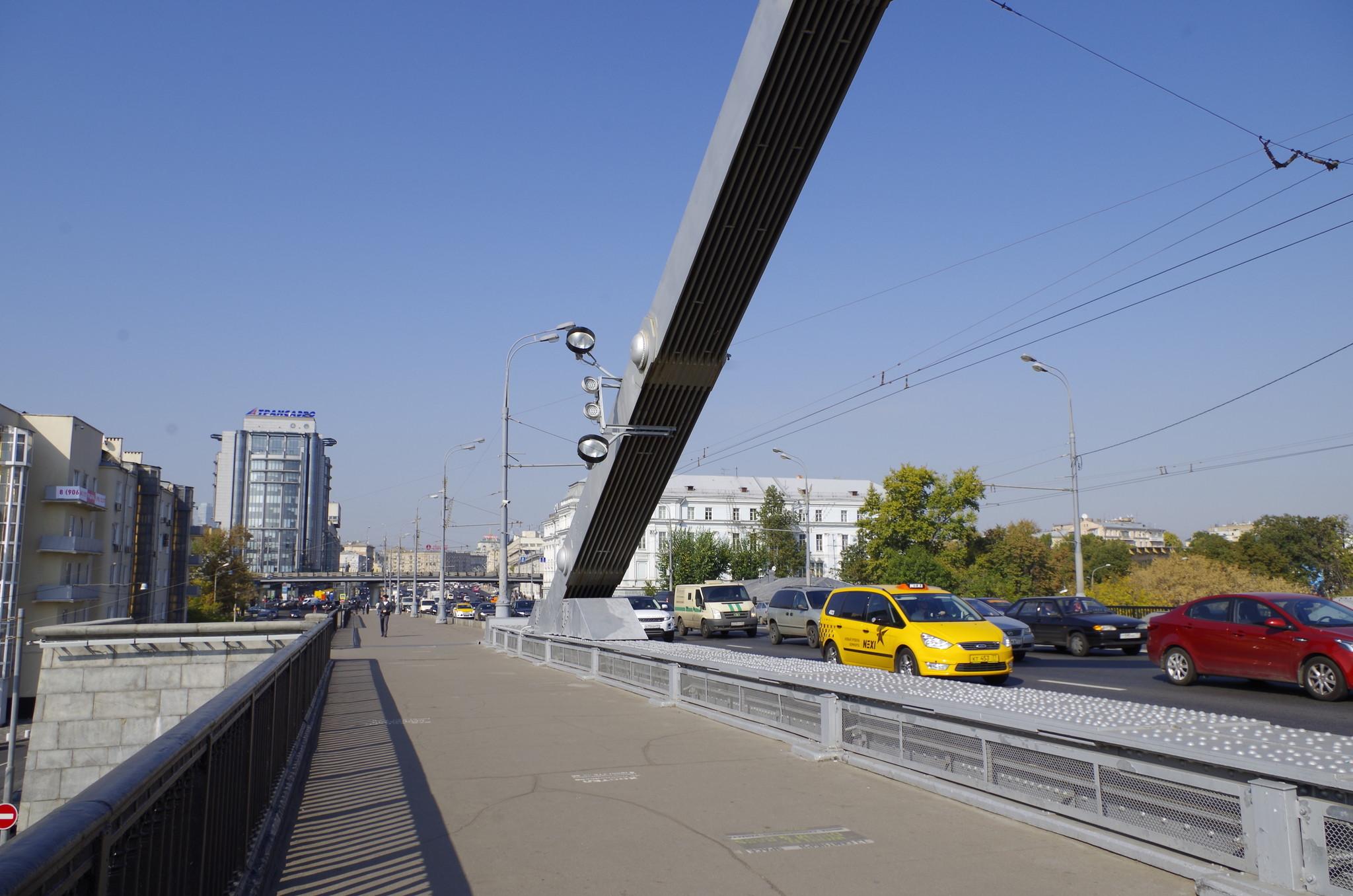 Крымский мост через Москву-реку