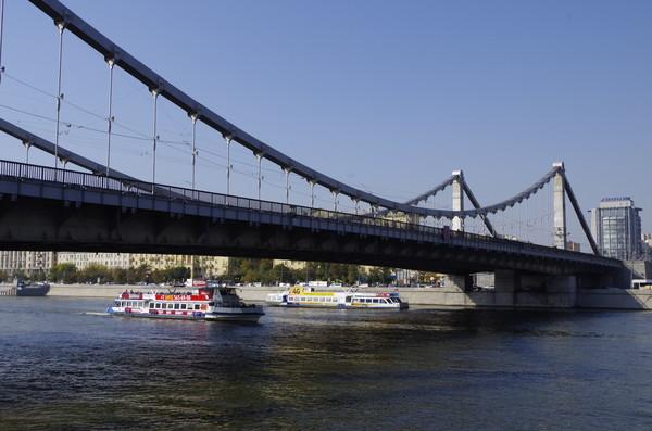 Крымский мост - висячий мост в Москве