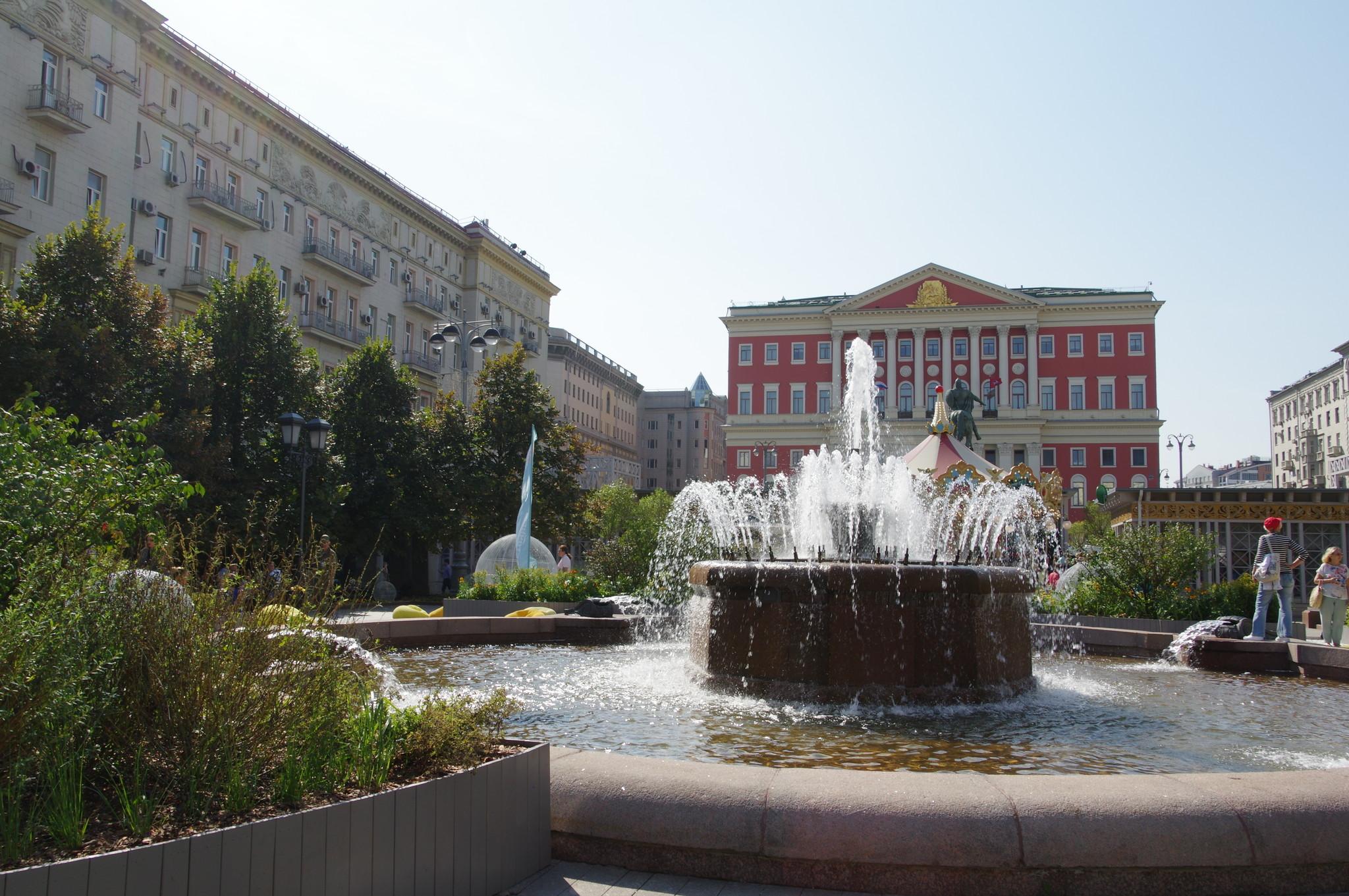 Фонтан Центральный на Тверской площади