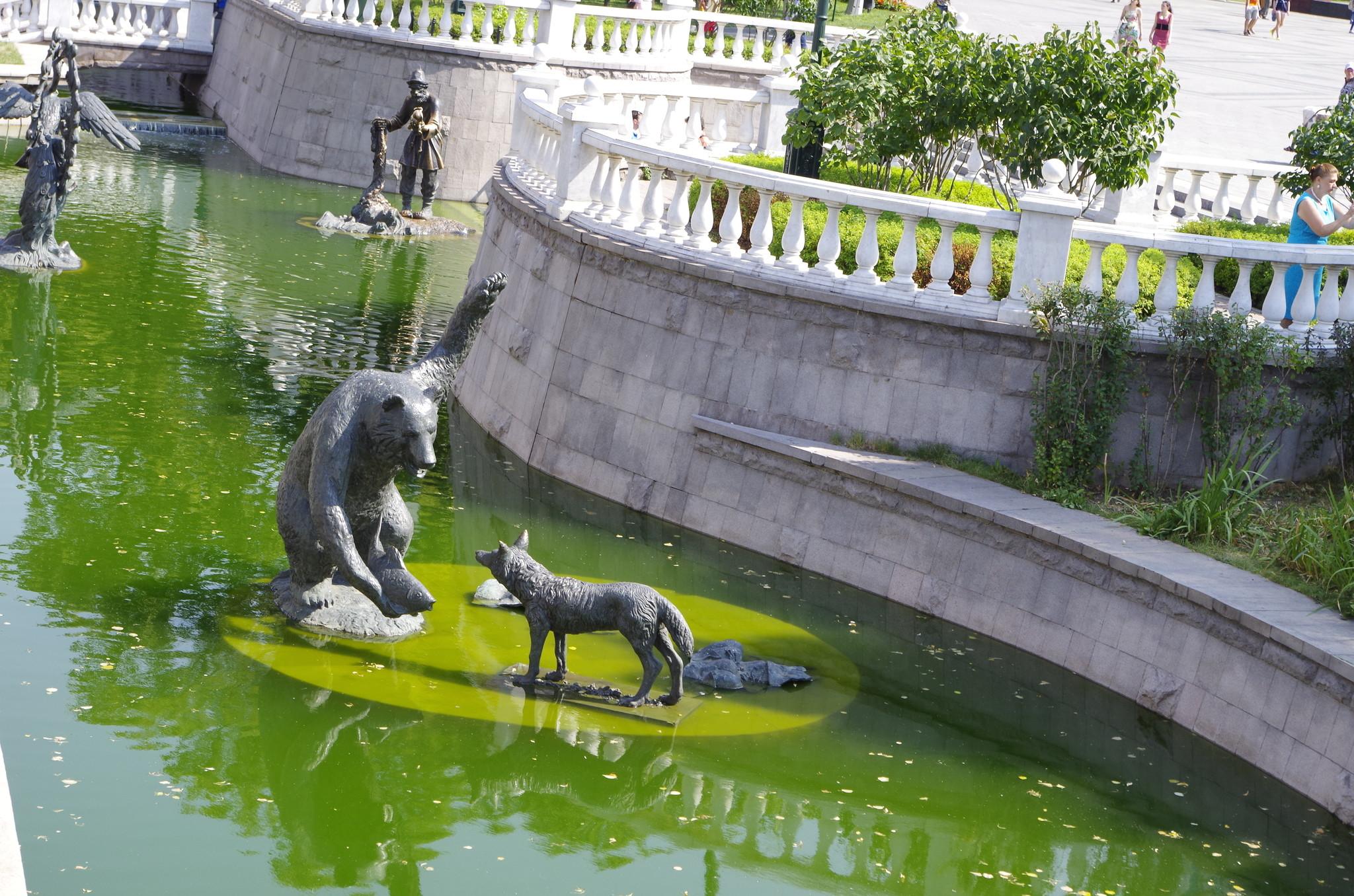 Фонтан «Река Неглинная» в Александровском саду