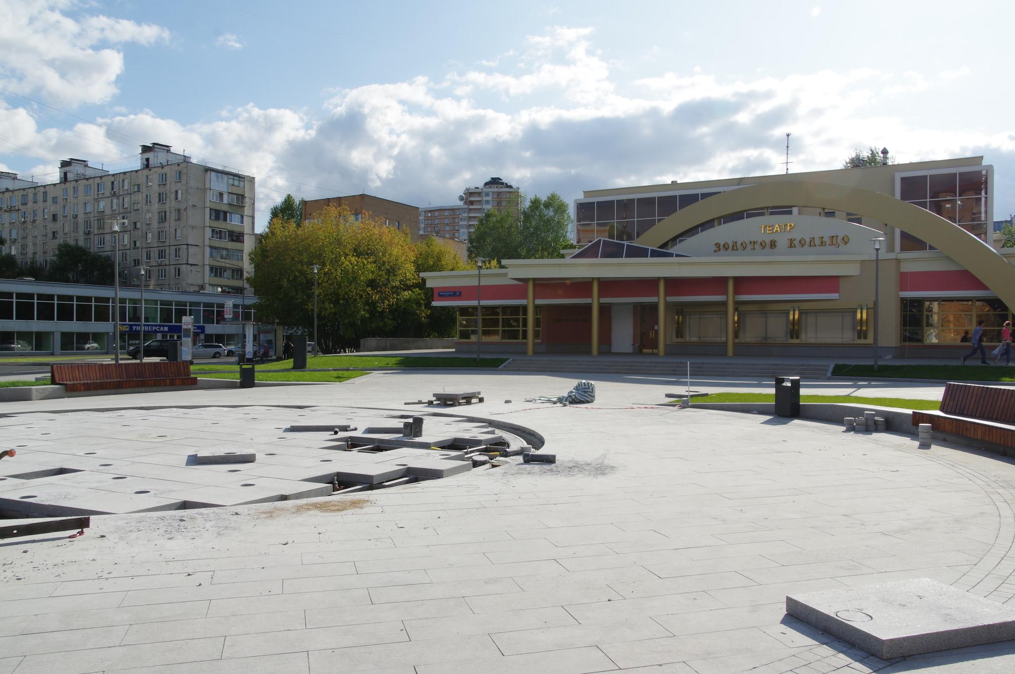 Завершается восстановление фонтана перед зданием Национального театра народной музыки и песни «Золотое кольцо»