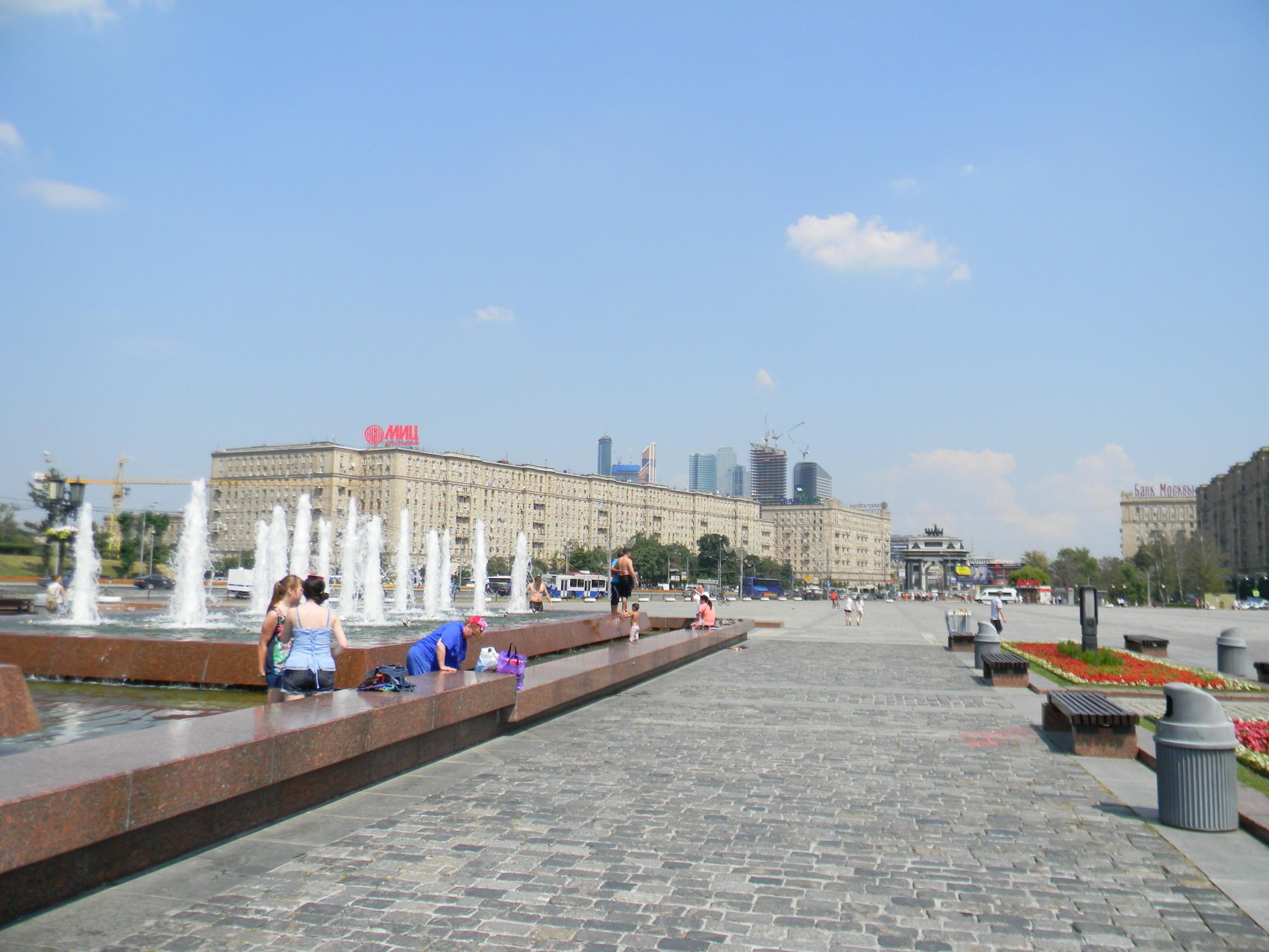 Фонтанный комплекс «Годы войны» на Поклонной горе в Парке Победы