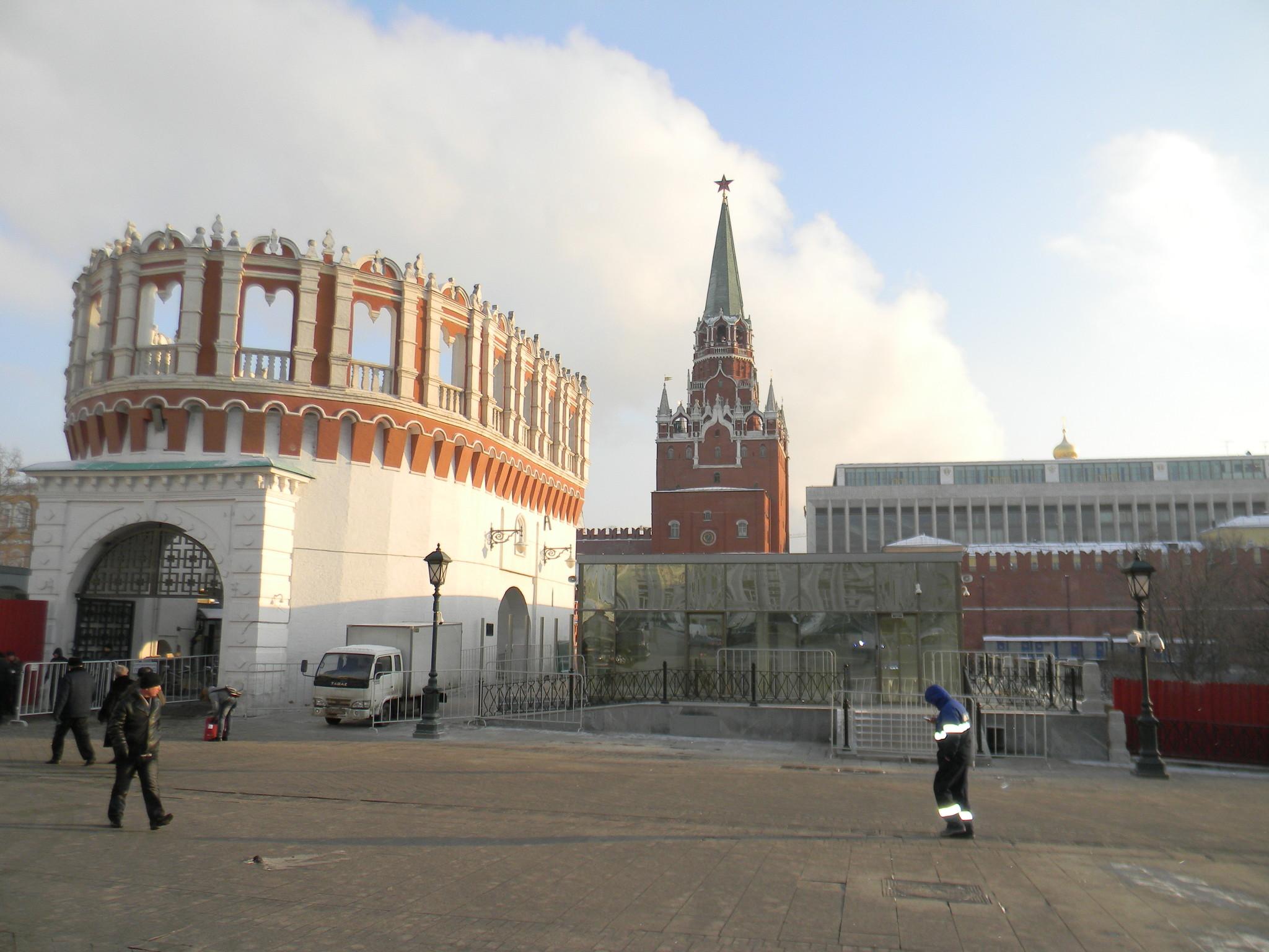 Кутафья (Предмостная) башня Московского Кремля