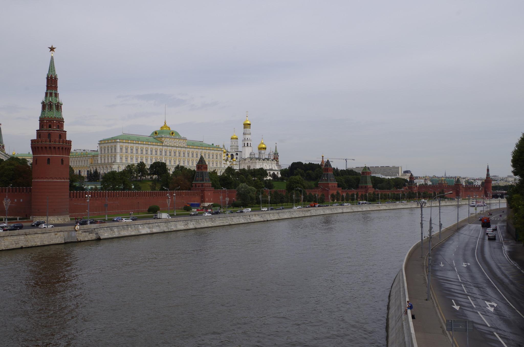 Кремлёвская и Софийская набережные