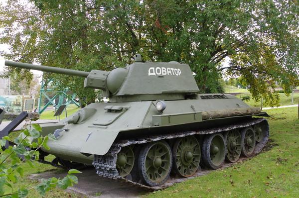 Танк Т-34-76 (Центральный музей Великой Отечественной войны 1941-1945 гг.)