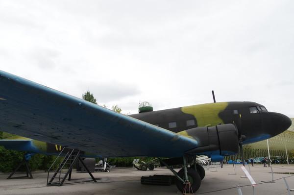 Военно-транспортный самолёт Ли-2