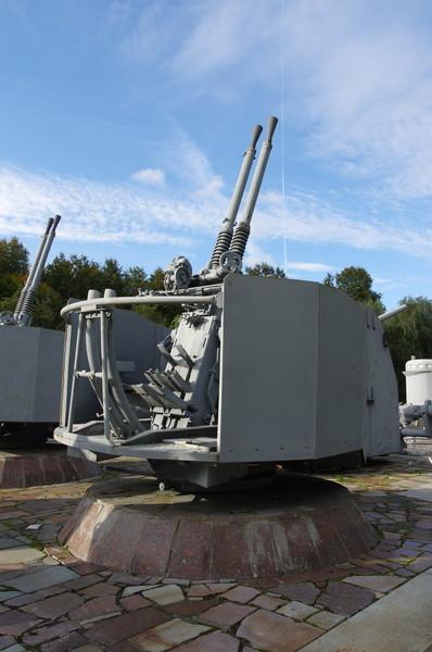 37-мм спаренное корабельное зенитное орудие В-11