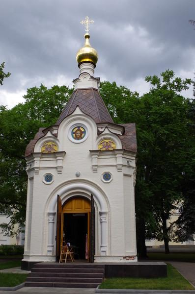 Спасская часовня воздвигнута в память о разрушенном Спасо-Преображенском кафедральном соборе