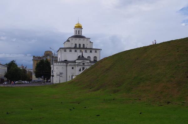 Золотые ворота со стороны Козлова вала в городе Владимире