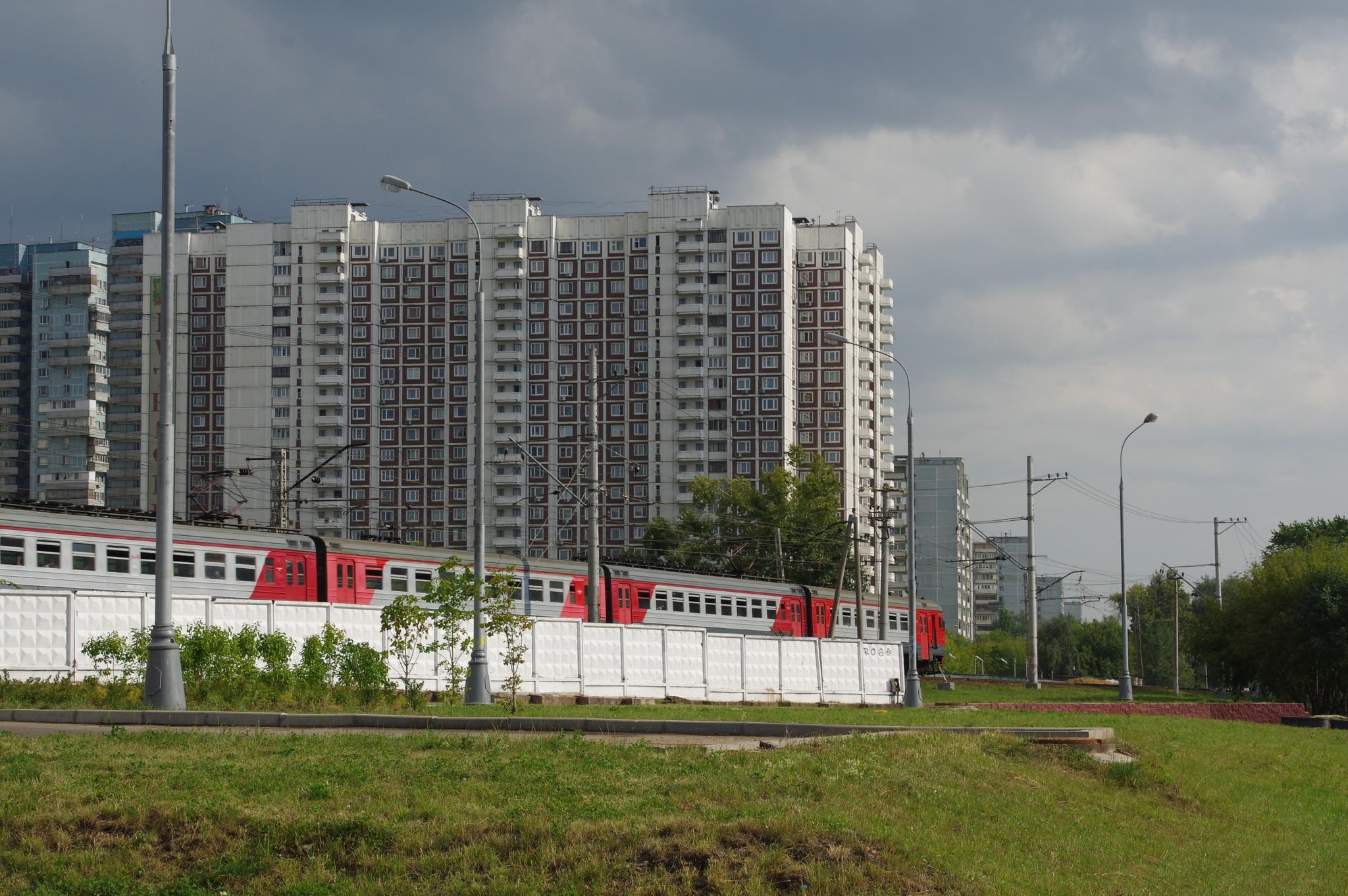 Электропоезд на Петровско-Разумовской