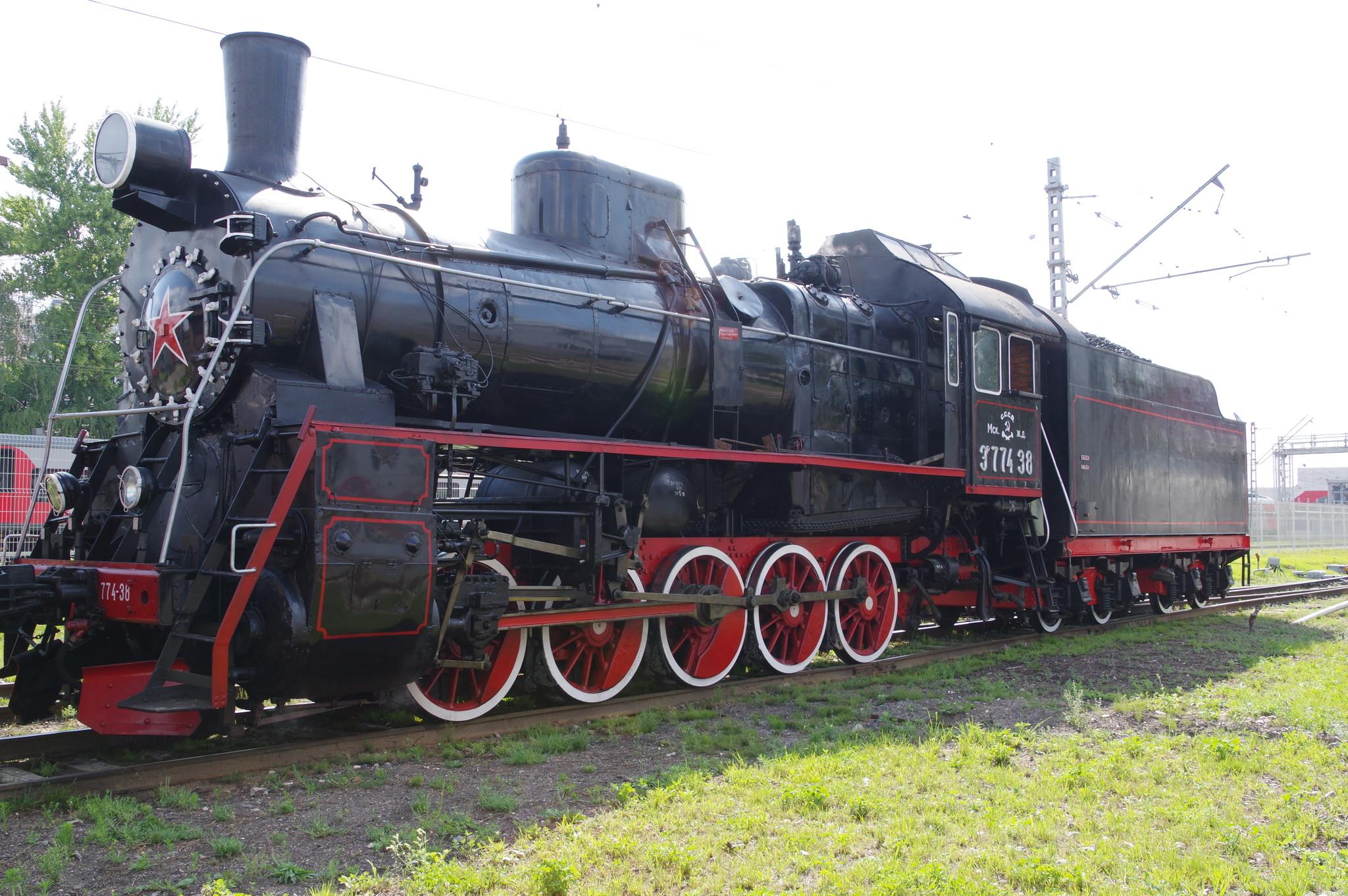 Грузовой паровоз ЭР-774-38