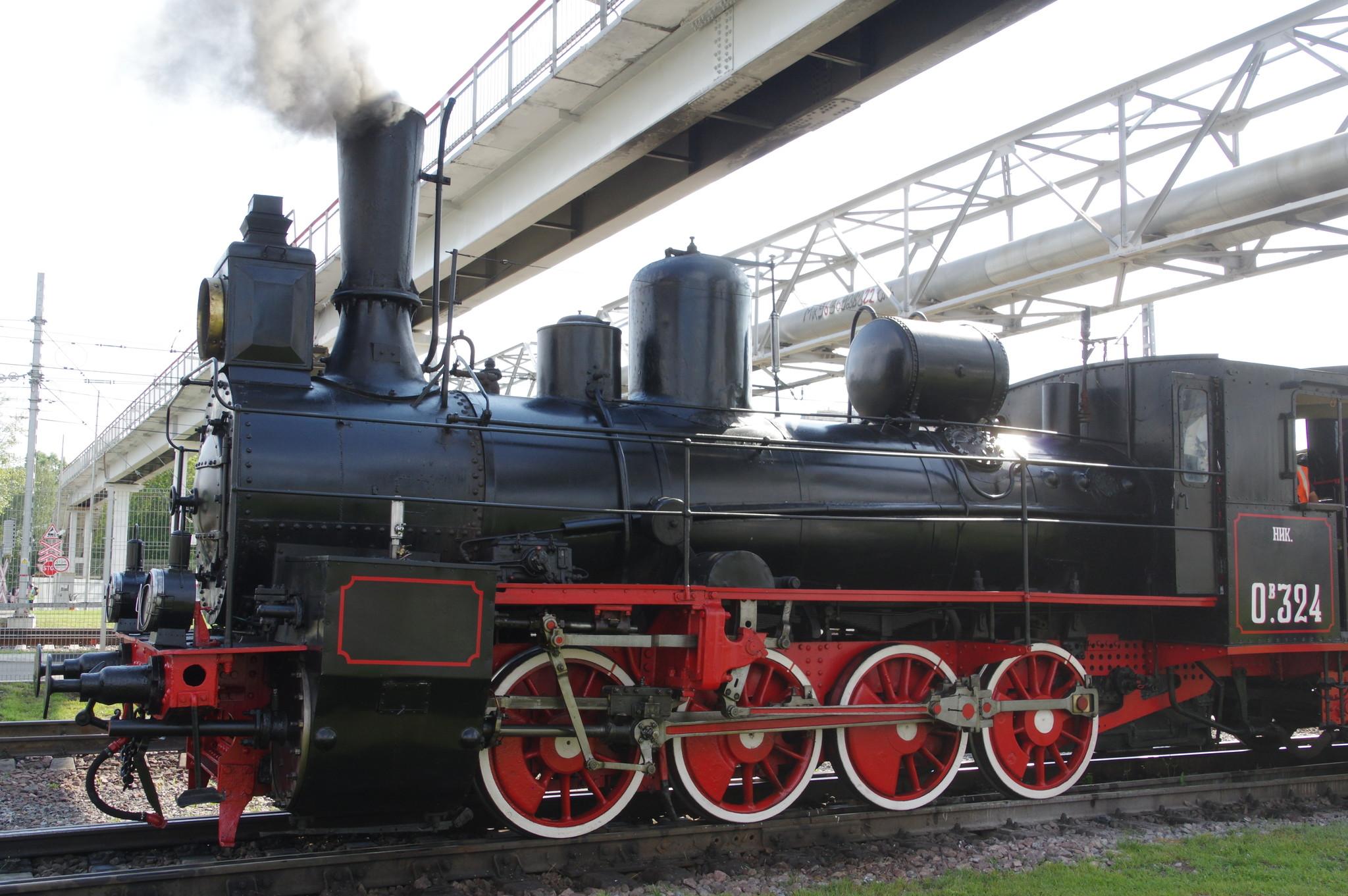 Паровоз ОВ−324 на станции Подмосковная