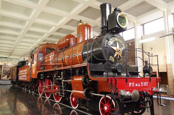 «Траурный поезд В.И.Ленина» (паровоз У-127 и вагон № 1691), который 23 января 1924 года доставил тело В.И. Ленина в Москву