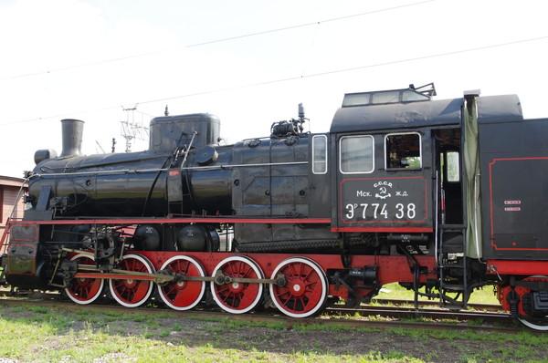 Грузовой паровоз ЭР−774-38