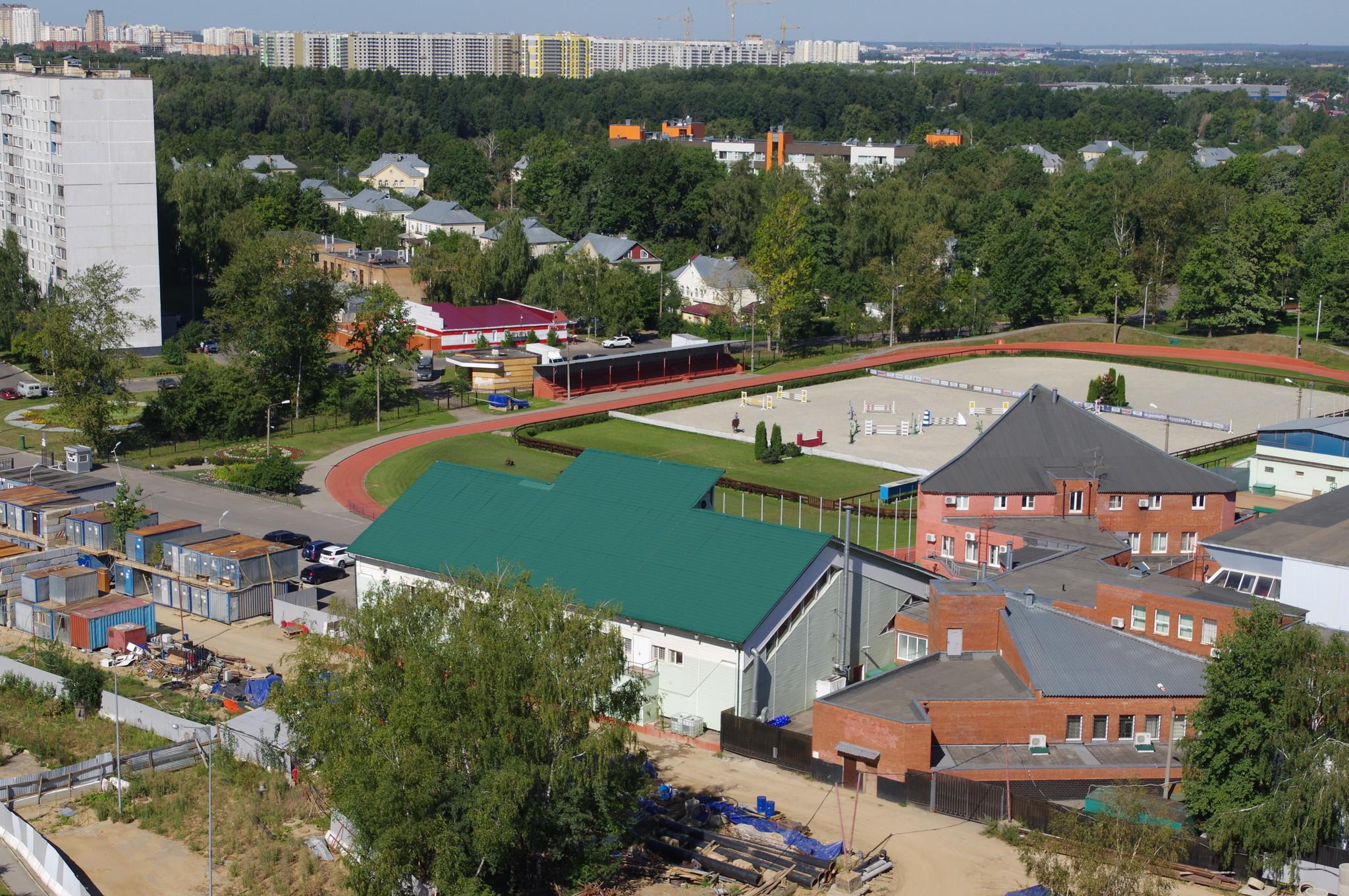 Спортивный комплекс с бассейном школы олимпийского резерва «Северный» (9-я Северная линия, дом 1б)