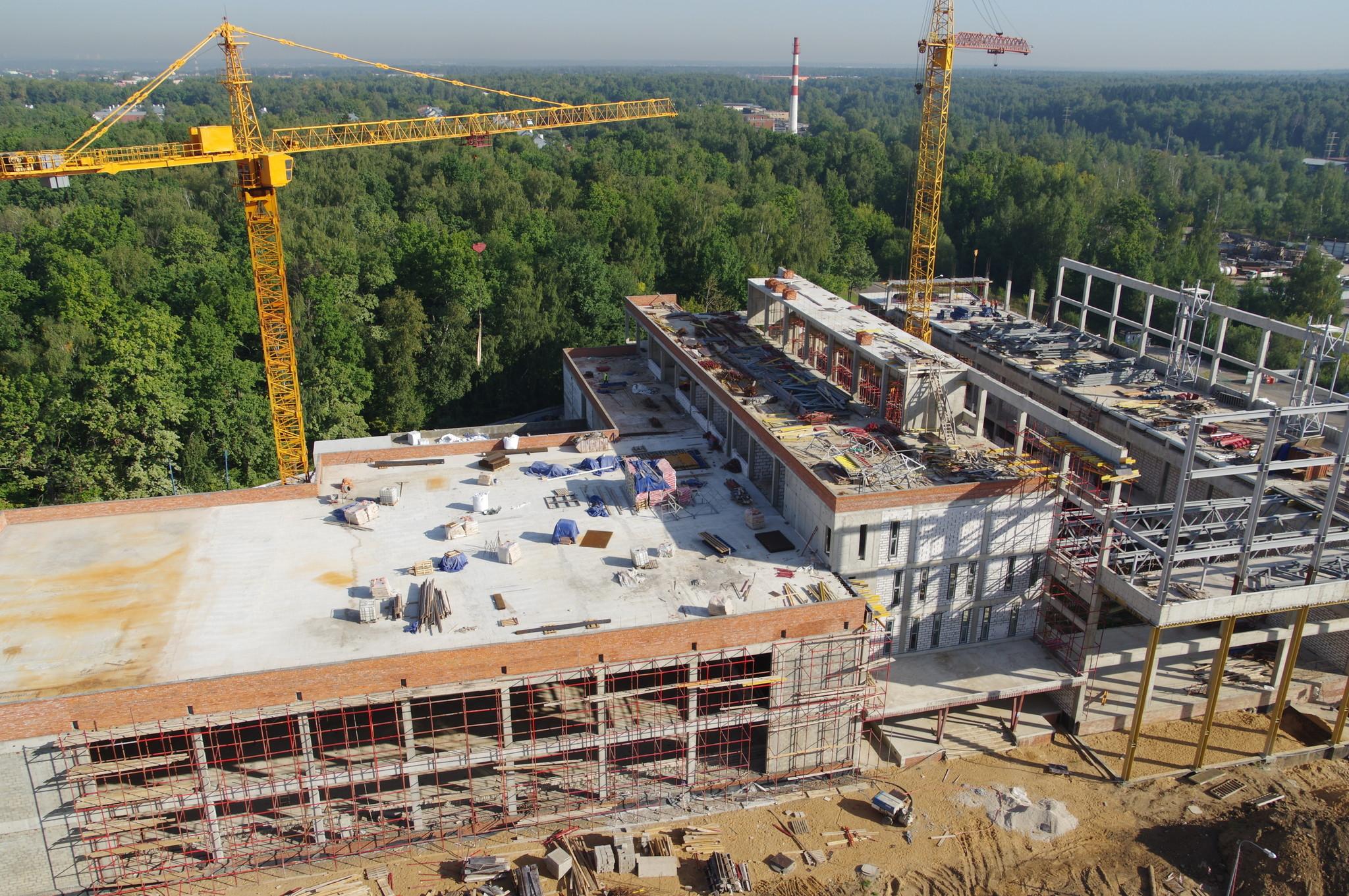В 4-м микрорайоне Северного идёт строительство спортивного комплекса