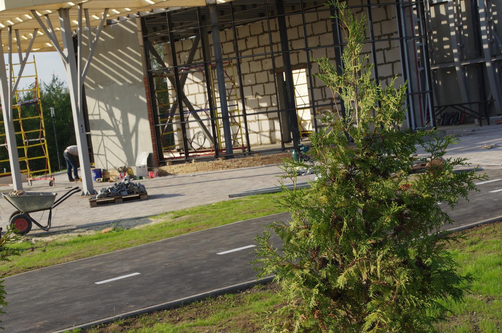 Строительство входной группы рекреационной парковой зоны «Долгие пруды»