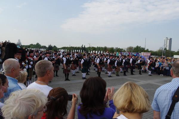 Кельтский оркестр волынок и барабанов на Поклонной горе