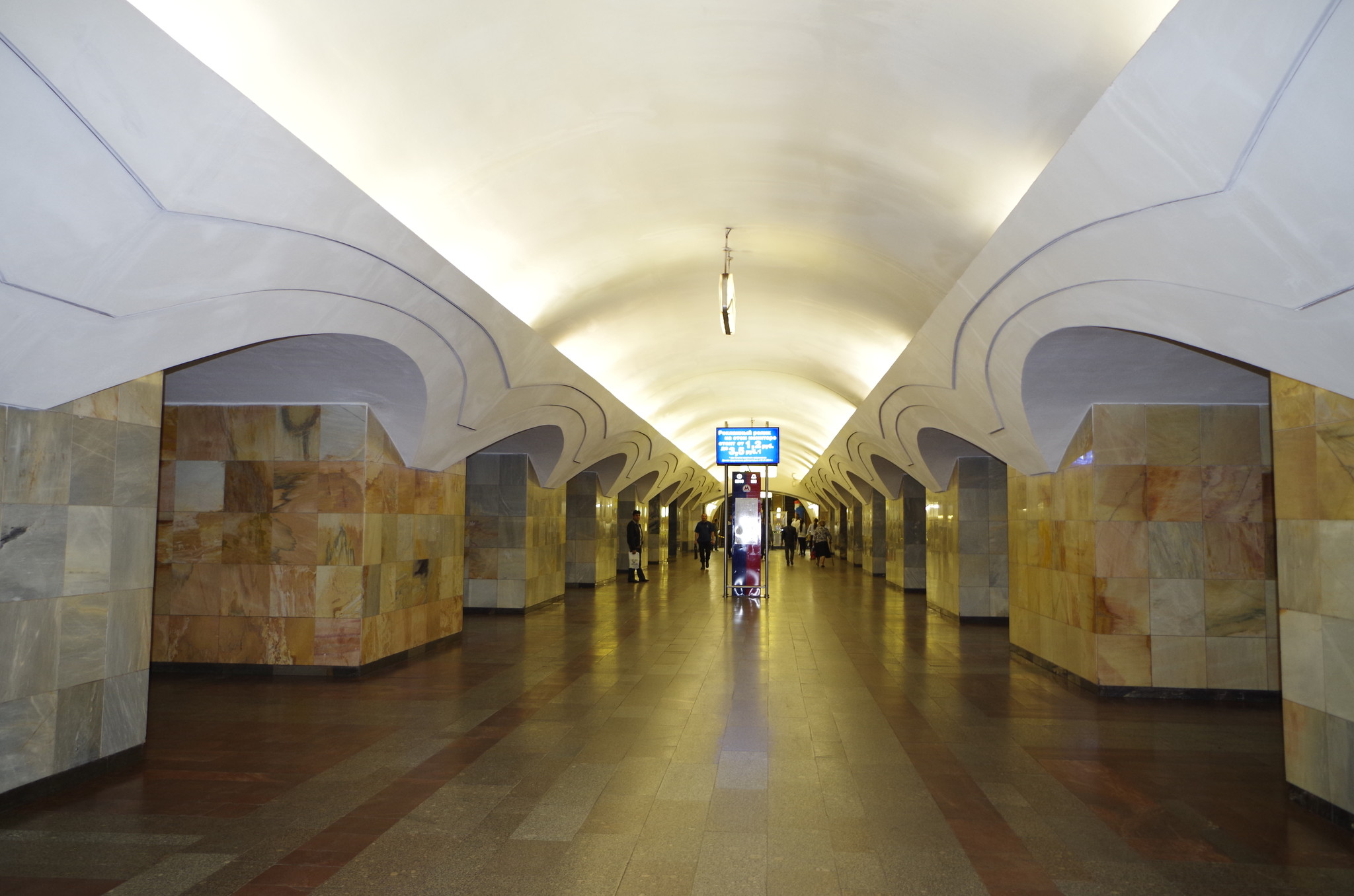 Станция «Шоссе Энтузиастов» Калининской линии Московского метрополитена