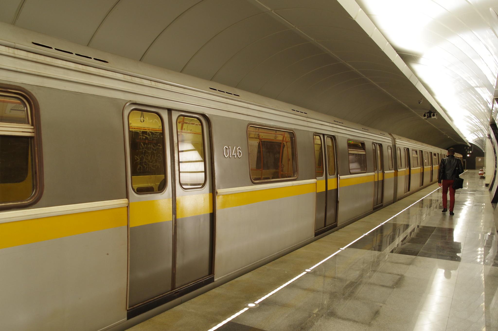 Вагон модели 81-721.1 «Яуза» № 0146 Московского метрополитена на Люблинско-Дмитровской линии