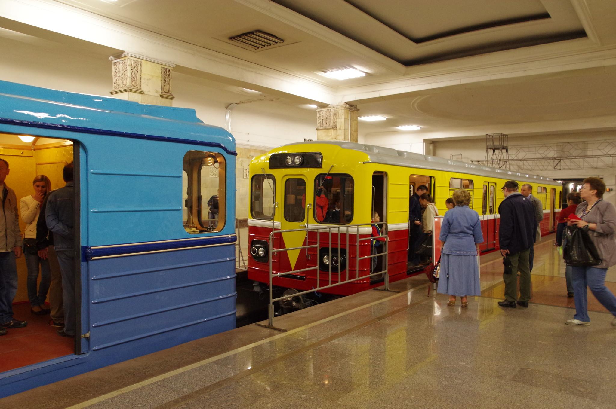 На выставке ретровагонов Московского метрополитена
