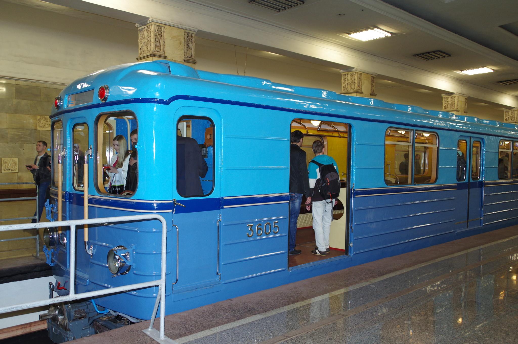 На выставке ретровагонов Московского метрополитена на станции «Партизанская»