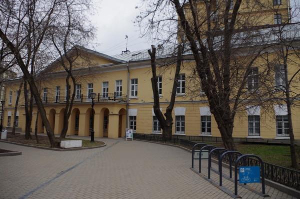 Дом А.И. Талызина на Никитском бульваре, где последние годы жил и работал Н.В. Гоголь. Здесь был сожжён второй том «Мёртвых душ»