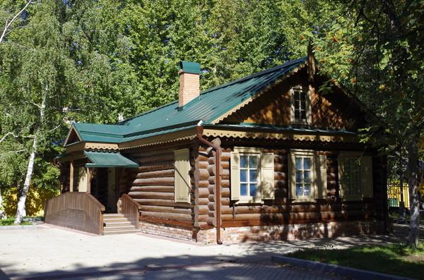 Музей «Кутузовская изба» (Кутузовский проспект, дом 38 строение 2)