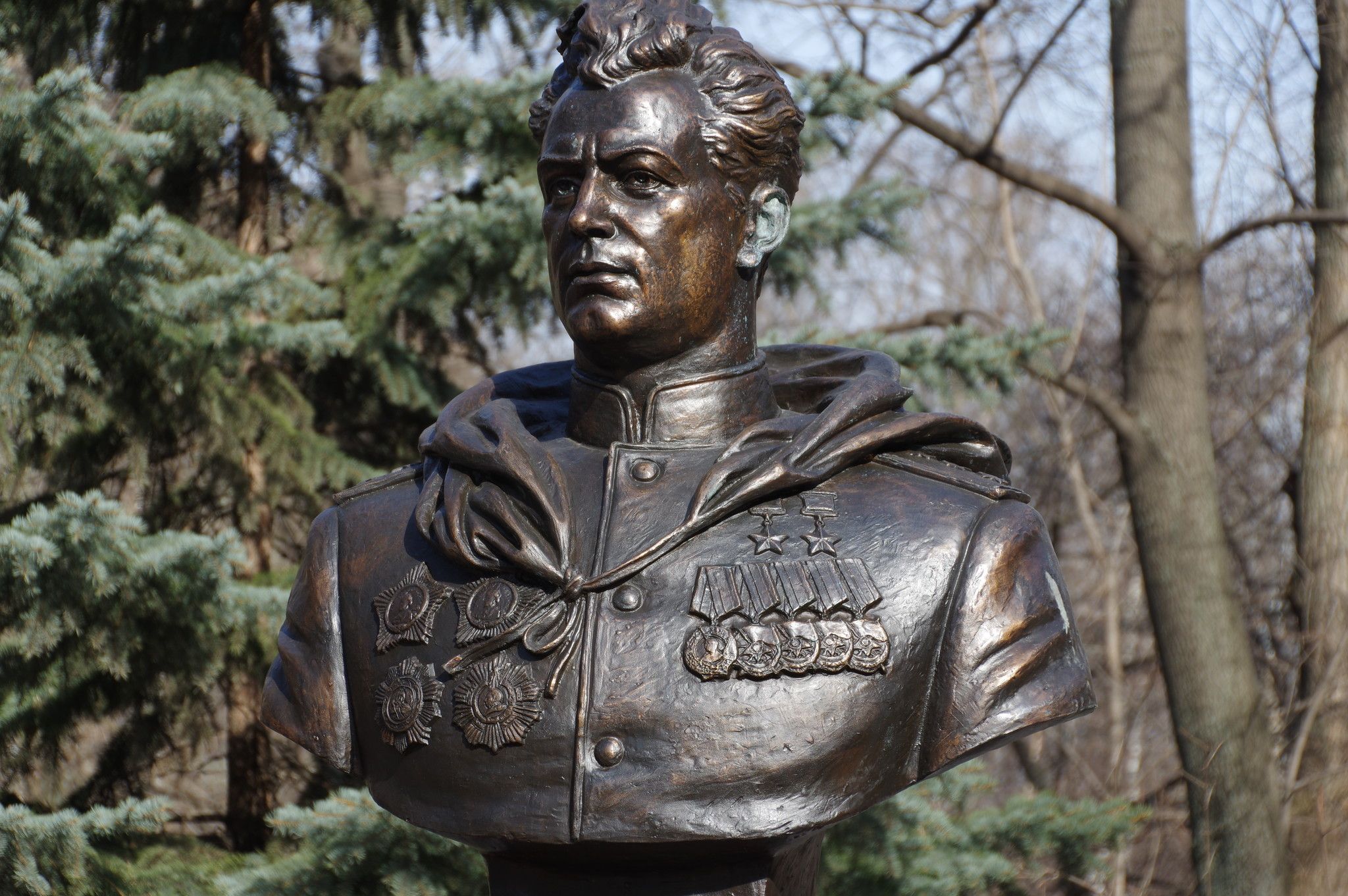 Бюст генерала армии Ивана Даниловича Черняховского в Москве