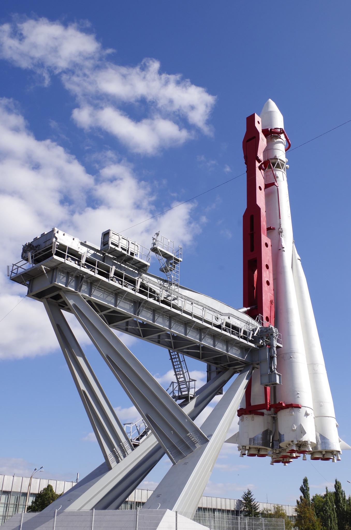 Макет ракеты-носителя «Восток» на территории ВДНХ