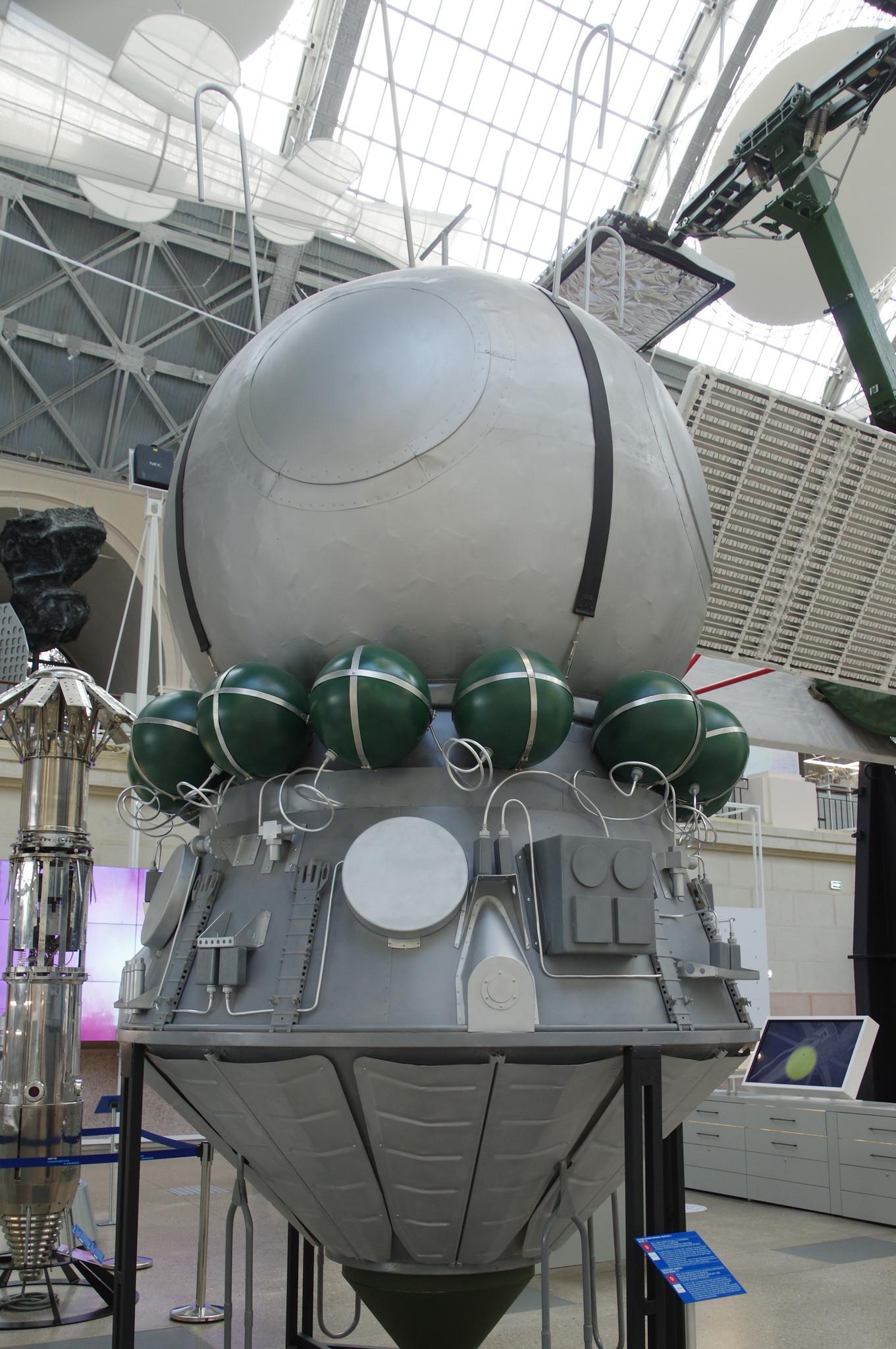 Космический корабль «Восток-1». Макет 1:1. Центр «Космонавтика и авиация» на ВДНХ