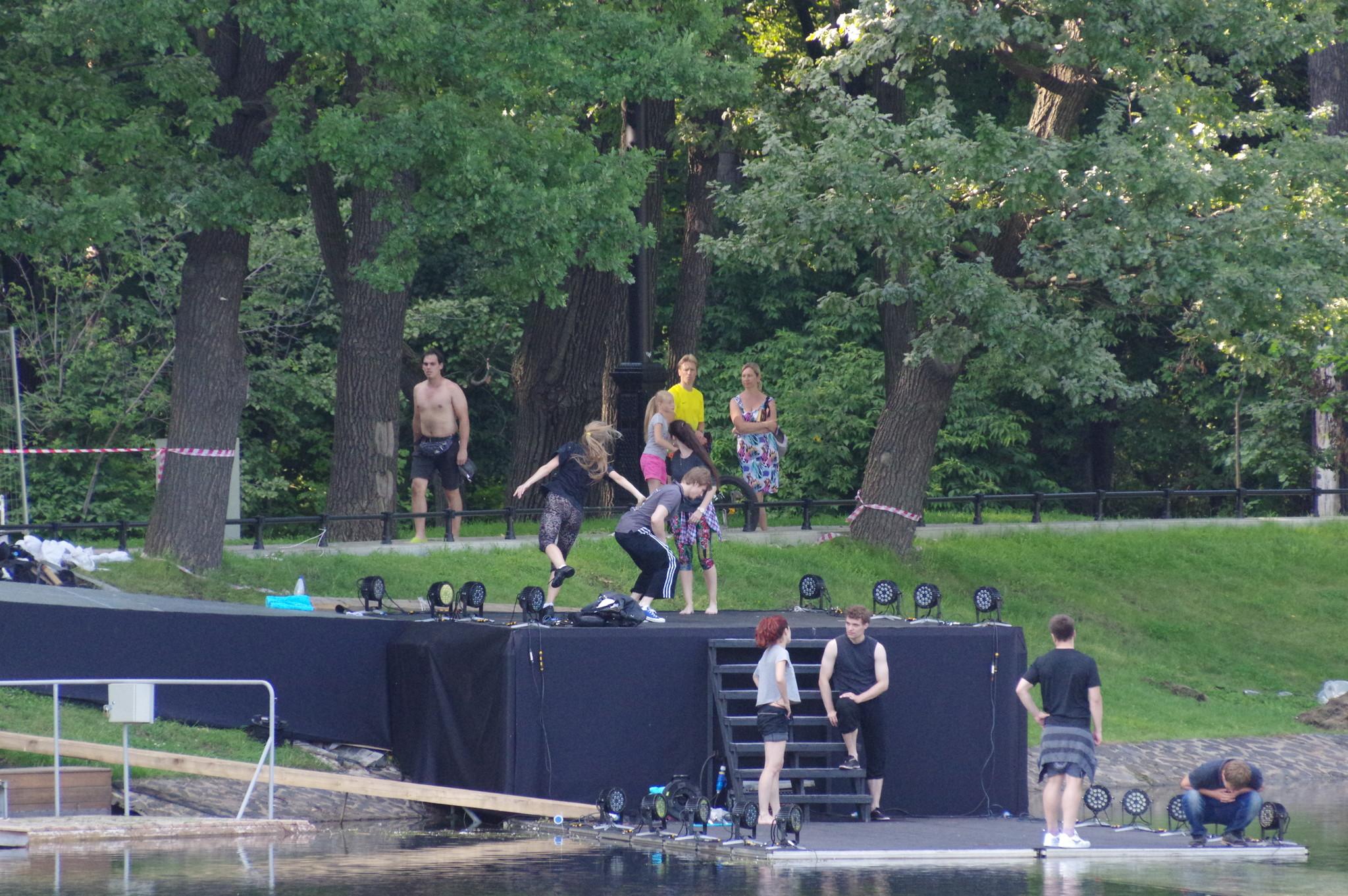 Репетиция специального проекта «Эволюция» на сцене Останкинского пруда