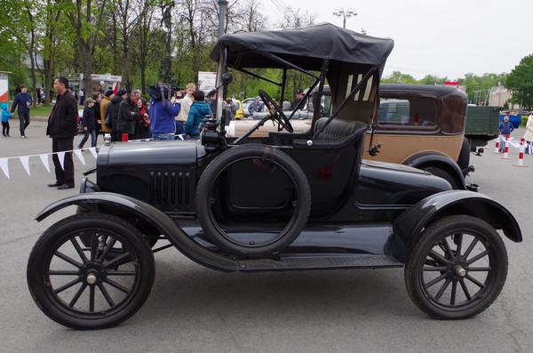 Автомобиль Ford Model T