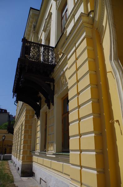 Библиотека имени А.С. Пушкина (Центральная библиотека № 112 имени А.С. Пушкина ЦБС №1)