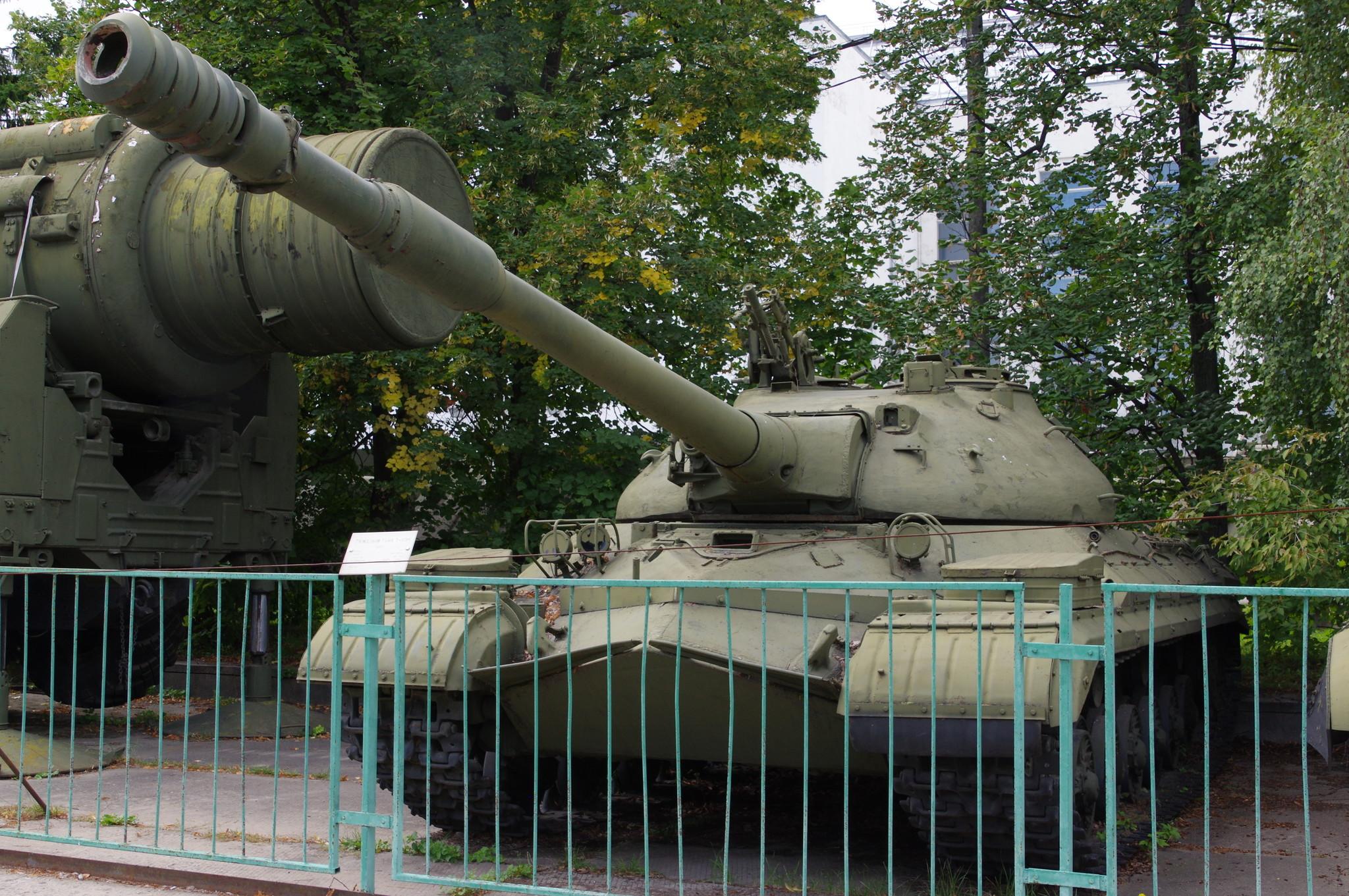 Тяжёлый танк Т-10М. Центральный музей Вооружённых сил Российской Федерации (улица Советской Армии, 2)