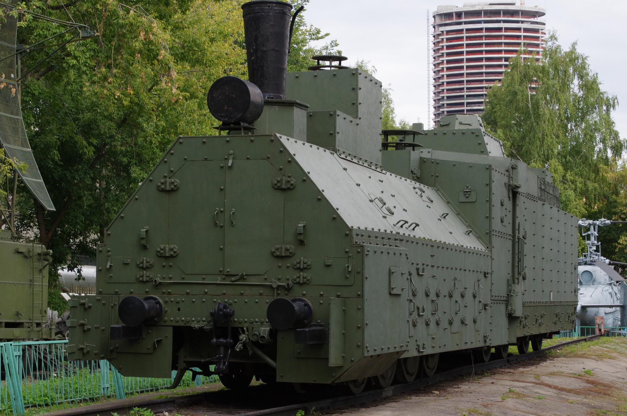 Бронепаровоз ОВ № 5067 бронепоезда «Красновосточник» (открытая площадка экспозиции военной техники Центрального музея Вооружённых Сил)