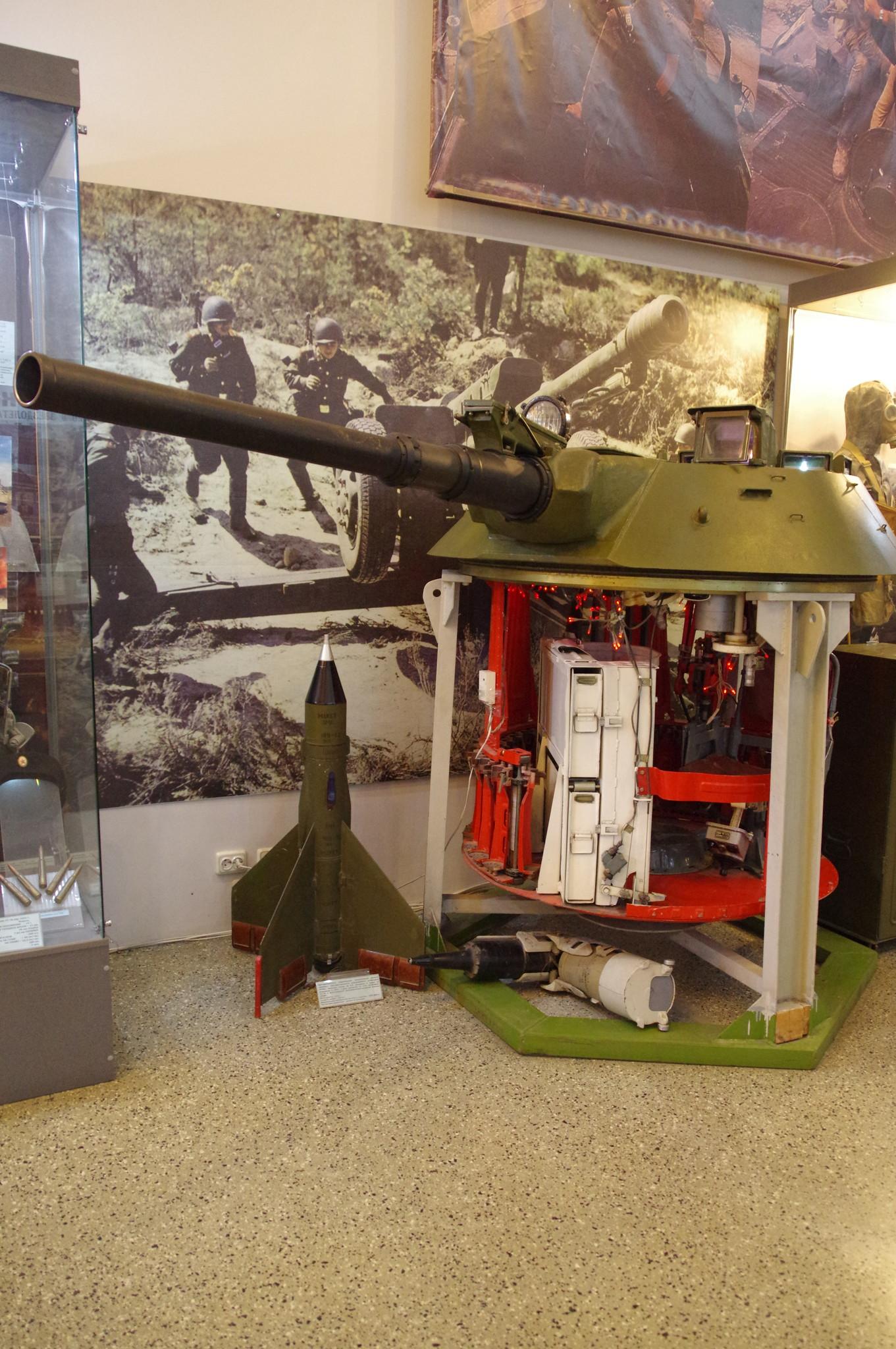 Башня боевой машины пехоты БМП-1 в экспозиции Центрального музея Вооружённых сил Российской Федерации