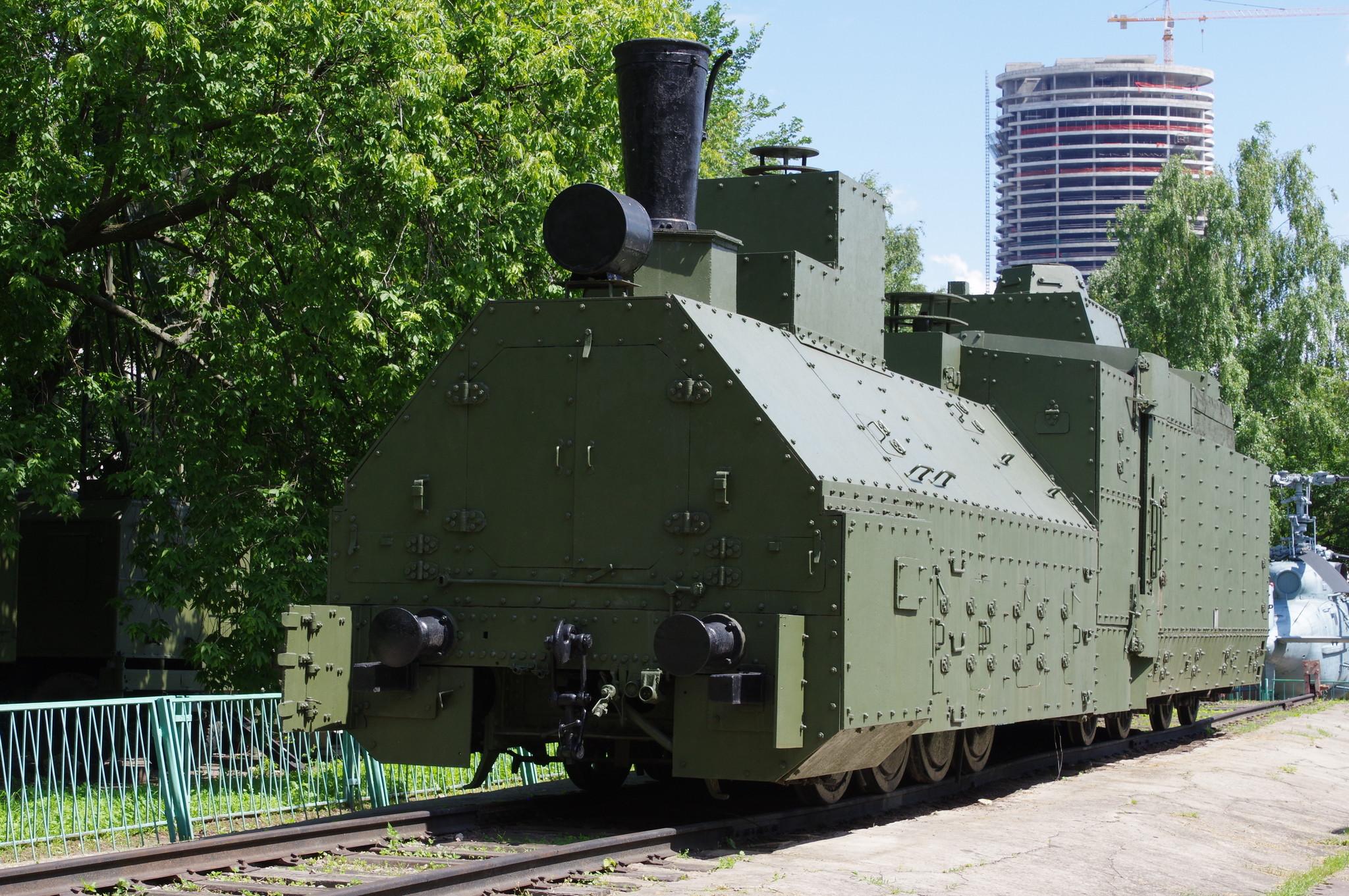 Бронепаровоз «ОВ» № 5067 бронепоезда «Красновосточник» (открытая площадка экспозиции военной техники Центрального музея Вооружённых Сил)