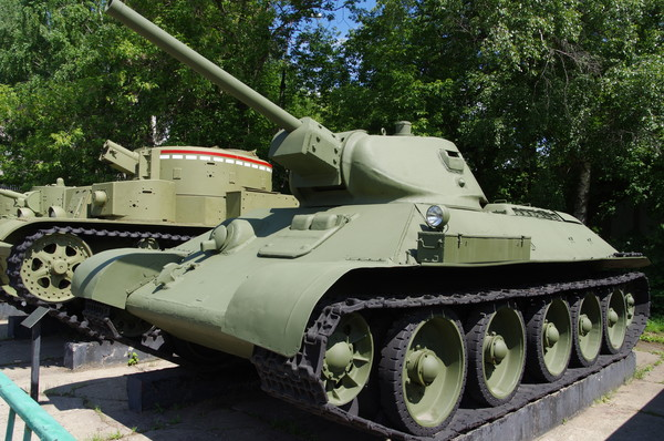 Средний танк Т-34 выпуска 1941 года в Центральном музее Вооруженных сил Российской Федерации