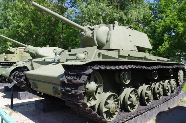 Тяжёлый танк КВ-1 в Центральном музее Вооруженных Сил (г. Москва)