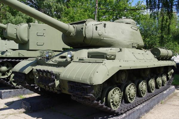 Тяжёлый танк ИС-2 (Центральный музей Вооруженных сил Российской Федерации)