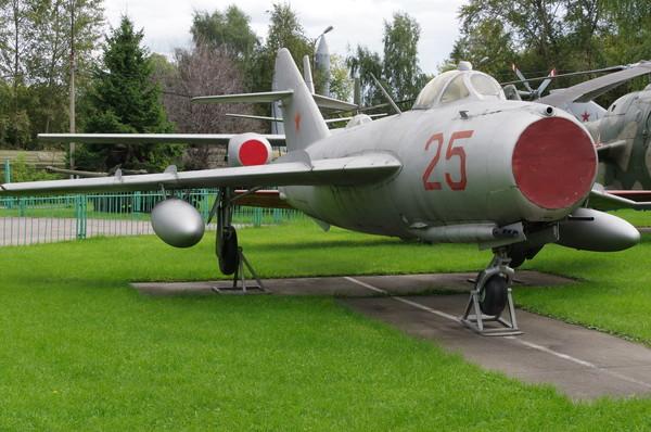 Истребитель МиГ-17 в Центральном музее Вооруженных сил Российской Федерации