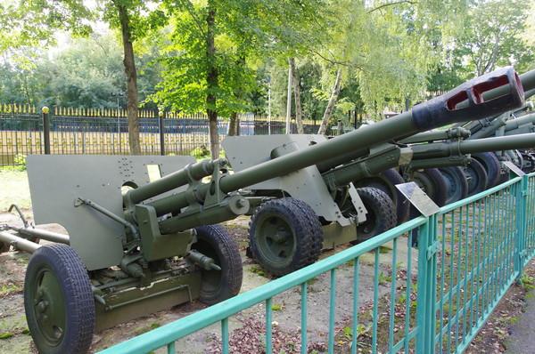 76-мм дивизионная противотанковая пушка ЗИС-3 (Центральный музей Вооружённых сил Российской Федерации)