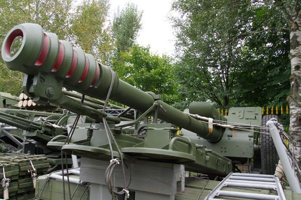 122-мм гаубица Д-30 на парашютно-десантной платформе (Центральный музей Вооружённых сил Российской Федерации)