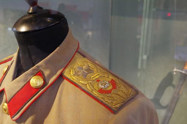 Китель Иосифа Виссарионовича Сталина (проработка 1945 года, материал сержантин) с погонами генералиссимуса