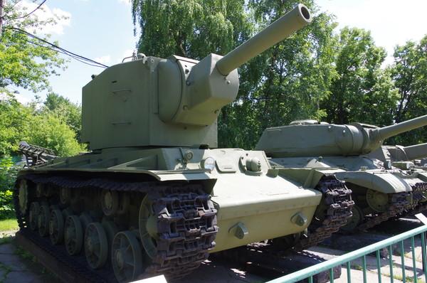 Тяжёлый танк КВ-2 в Центральном музее Вооружённых Сил