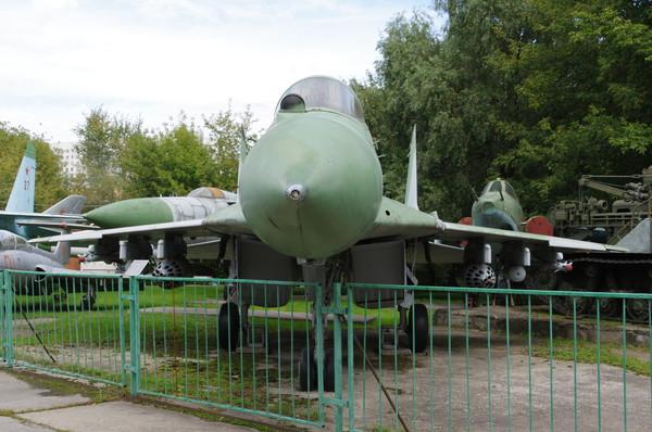 Фронтовой истребитель МиГ-29 (Центральный музей Вооружённых сил Российской Федерации)