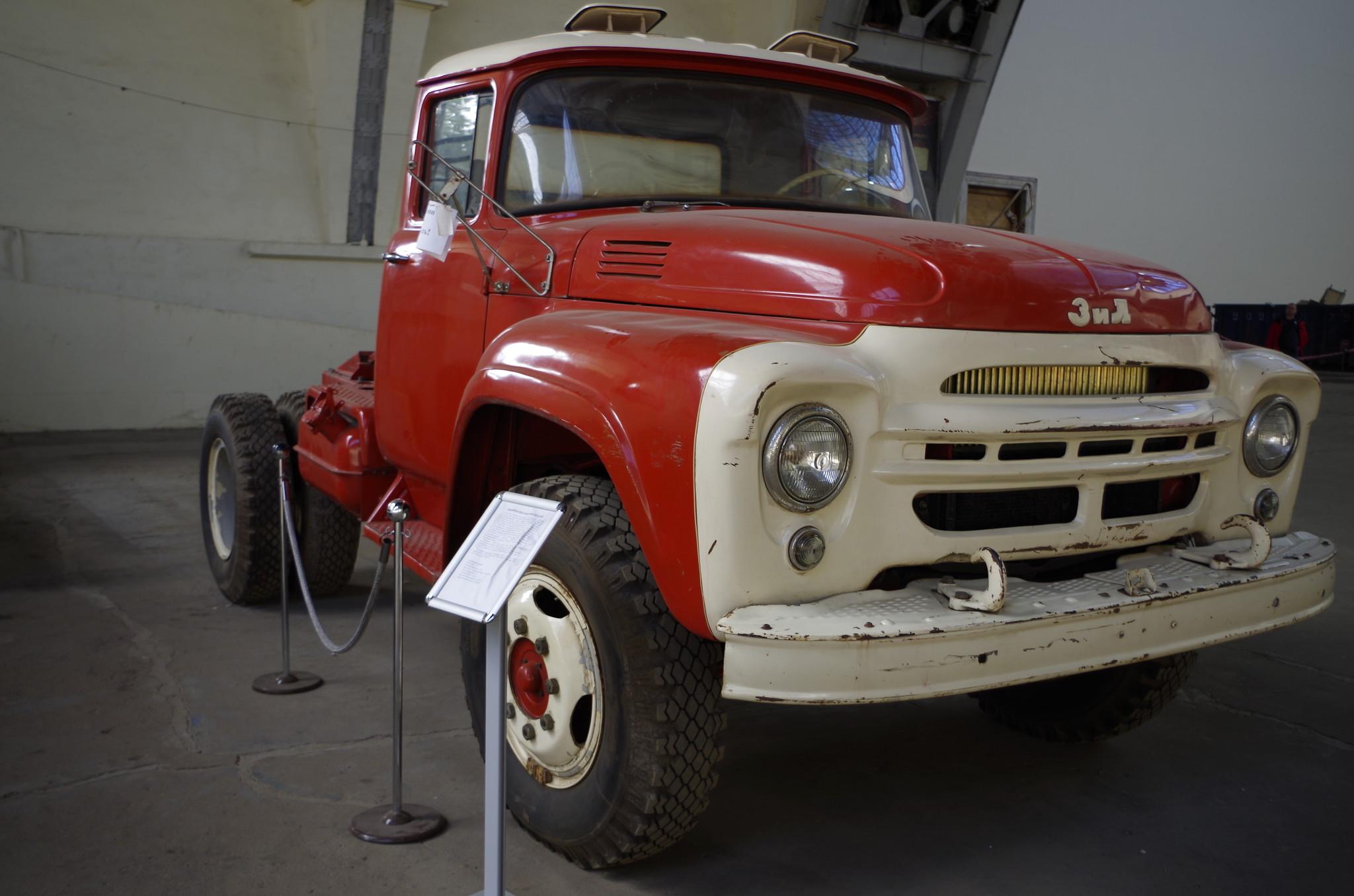 Автомобиль-тягач седельный ЗИЛ-130В