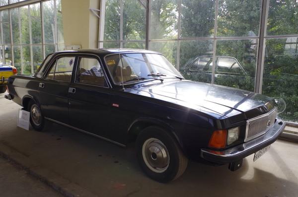Автомобиль ГАЗ-3102 «Волга»